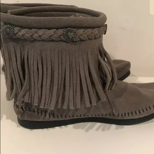 Minnetonka Suede Moccasin Ankle Fringe Boot Shoe